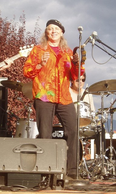 Norton Buffalo performs with his band The Knockouts at the 2008 Mountain Harvest Festival in Quincy © Roxann Vallado