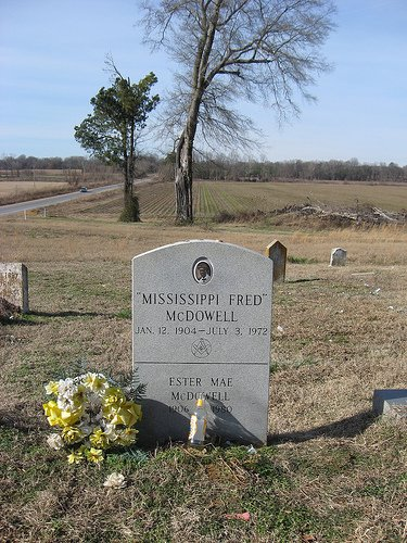 Mississippi Fred McDowell's grave in Panola County, Mississippi (outside Como)