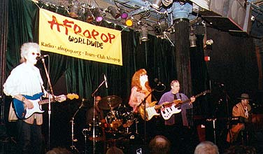 Bonnie Raitt was special guest at Let Freedom Sing! - Bottom Line New York - April 29, 2002 © Banning Eyre