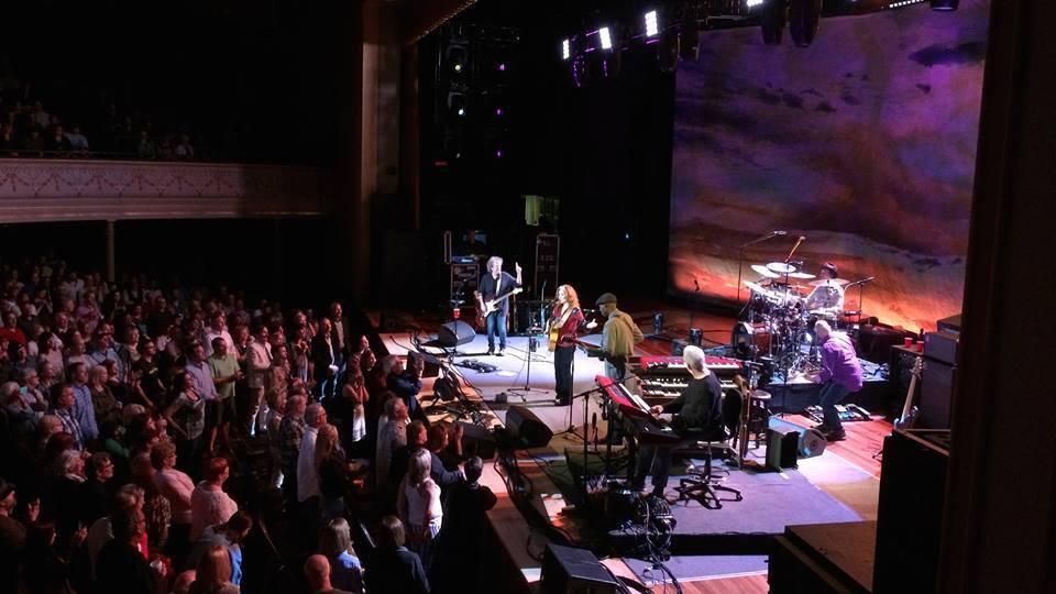 GREAT SHOW tonight @ The Ryman/Nashville w/BONNIE RAITT and BAND! © Bob Seaman