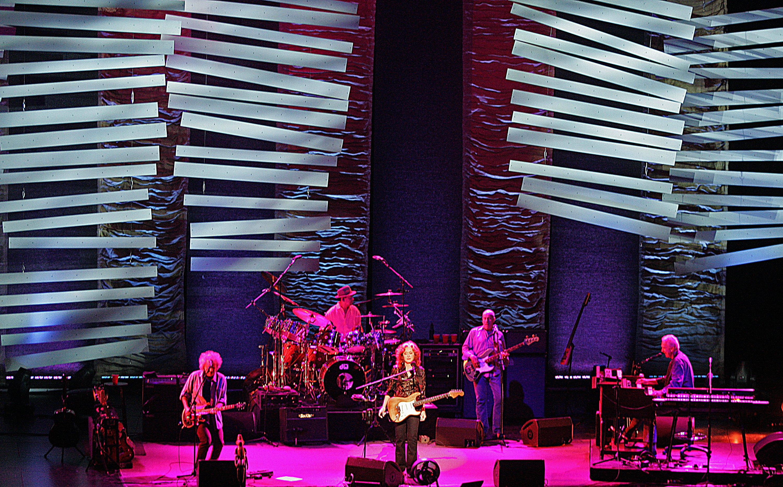 Bonnie Raitt performs at the Verizon Theater in Grand Prairie on Saturday night, September 29, 2012. © Stewart F. House /Special Contributor