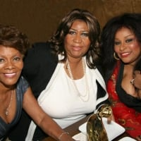 Left to right: Dionne Warwick, Aretha Franklin and Chaka Khan. <br>20th Anniversary of the R&B Foundation celebrated the 2008 Pioneer Awards honorees recently in Philadelphia, PA. Chaka Khan was presented with a Lifetime Achievement Award by The Queen of Soul, Aretha Franklin. Dionne Warwick was the co-host of the 15th Pioneer Awards.